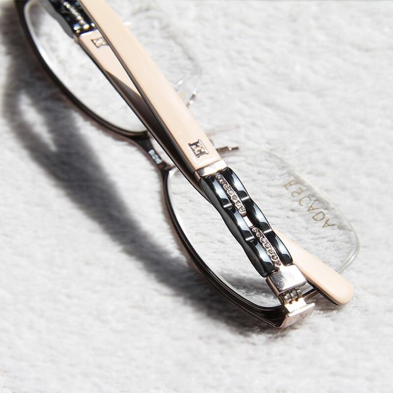 Dámské brýle Escada VES846S 0A40
